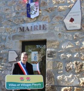 Le Maire et le label 2 fleurs des villes et villages fleuris 1024